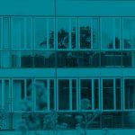 Aussenansicht in Blau der Justus-von-Liebig Schule Aalen