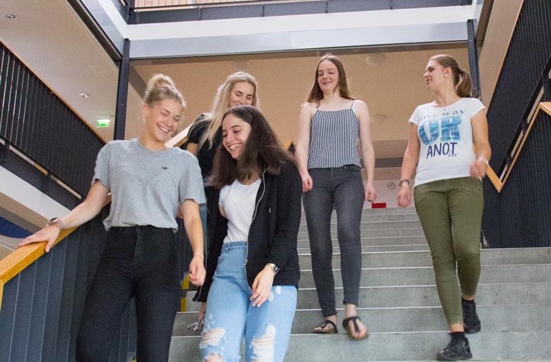 Schülerinnen an der Justus-von-Liebig Schule Aalen
